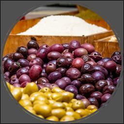 Bild på oliver i affär.